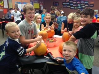pumpkin-carving-2016-3