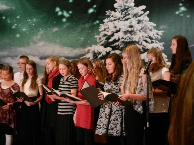 Middle School Holiday Choir